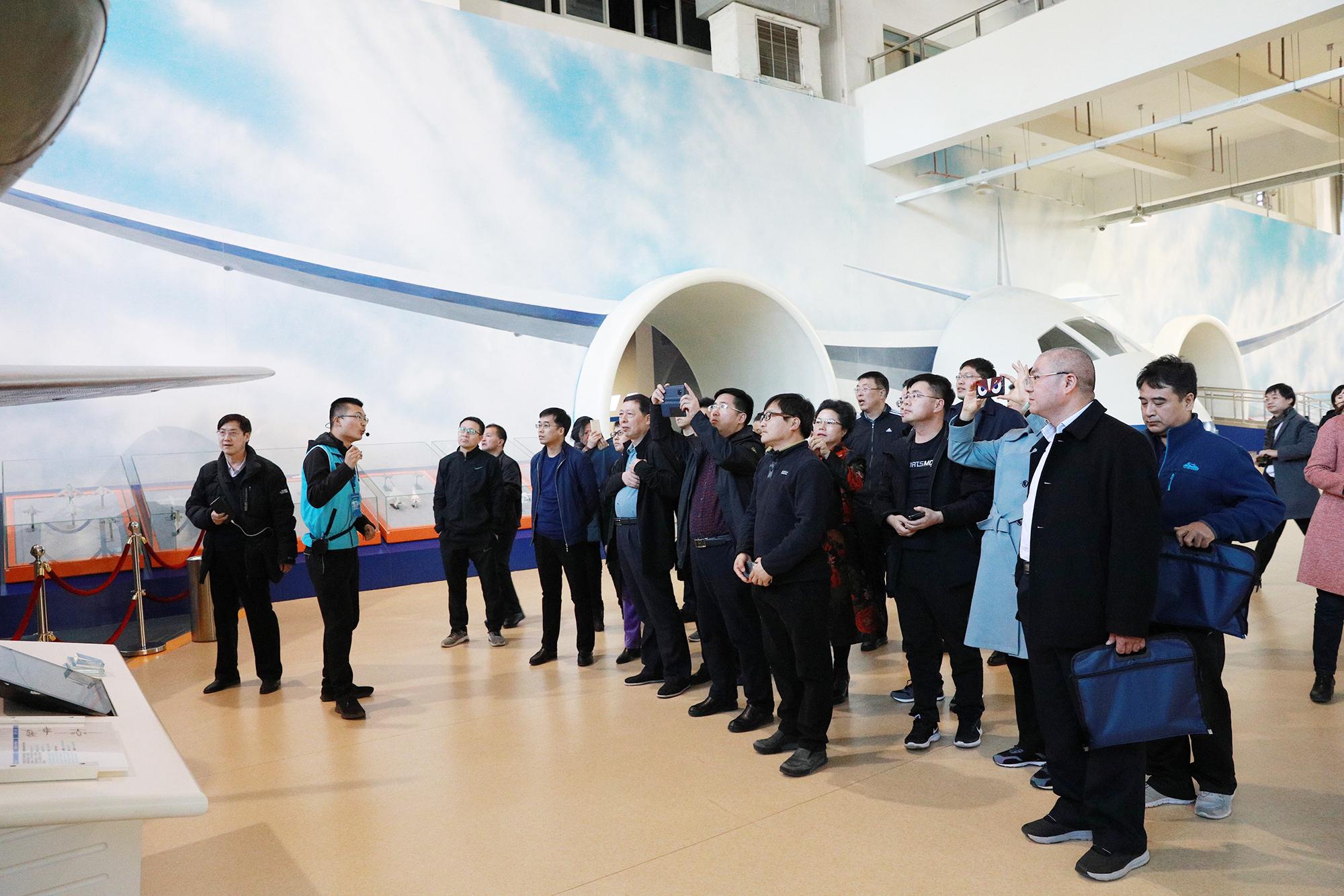 第十八期新任县委宣传部部长培训班学员<br>赴北京航空航天大学学习航空航天精神
